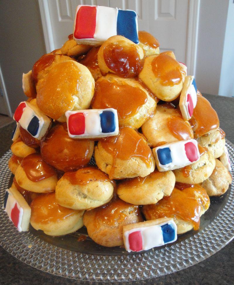 Daring Bakers Croquembouche